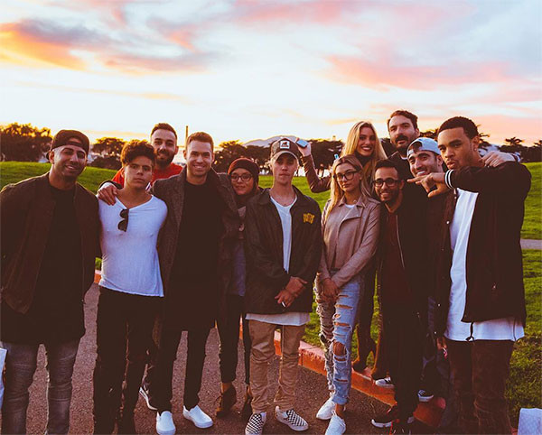 Justin Bieber, Hailey Baldwin, Friends